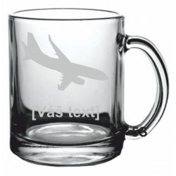 SESTAVTE SI: Pískovaný skleněný hrnek s motivem dopravní letadla dle výběru a Vaším textem